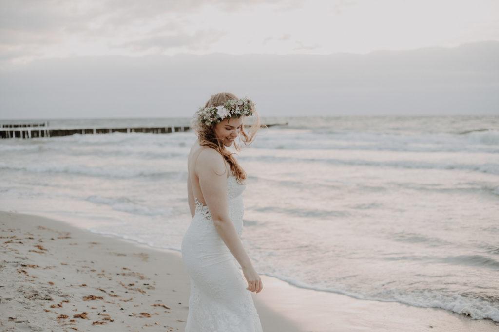 Brautshooting am Strand Nienhagen